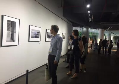 Sebastian Lux and Petra Helck are visiting Dafen Art museum 萨巴斯蒂安 ·鲁克斯博士和策展人佩特拉·荷乐珂参观大芬美术馆